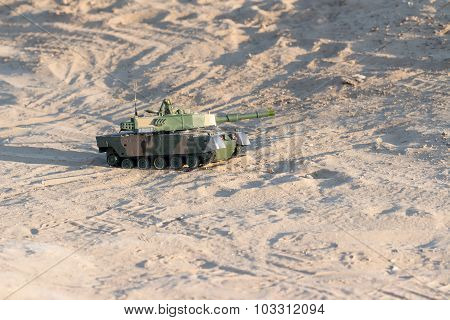 tank in the desert on shooting positions