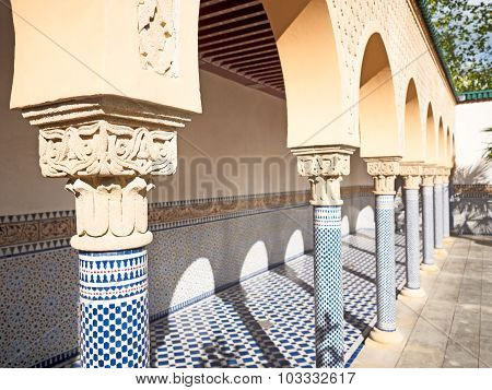 Arch With Moorish Ornament In Tilt