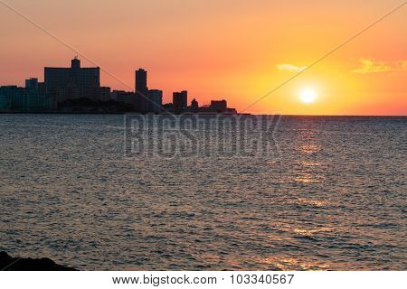 Sunset In La Habana