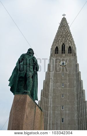 Hallgrimskirkja, Reykjavik cathedral and Leifr Eiricsson monument