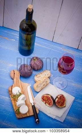 Cheese With Ripe Figs And Red Wine
