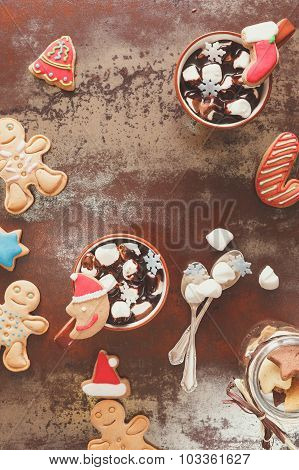 Hot chocolate, marshmallow and gingerbread cookies