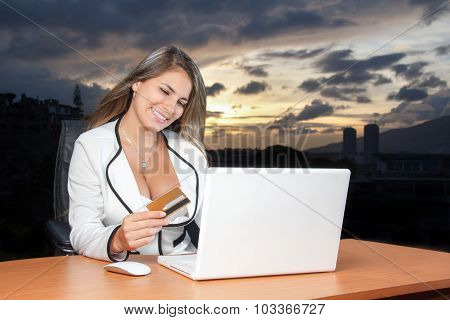 Beautiful Business Young Woman Shopping Online With Credit Card