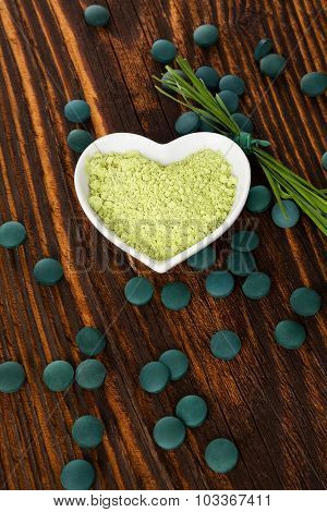 Spirulina, Chlorella, Barley And Wheatgrass.