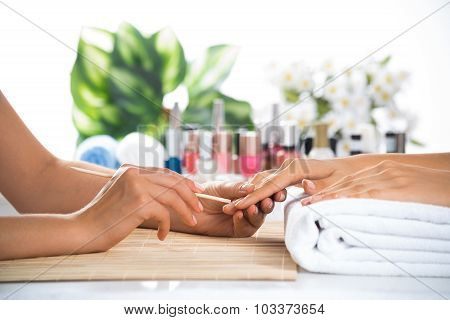 Manicure procedure