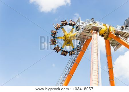 Pathumtanee Thailand - September 26: Unidentified People Play Amusement Machine On September 26, 201