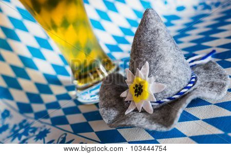 Oktoberfest Hat with Beer