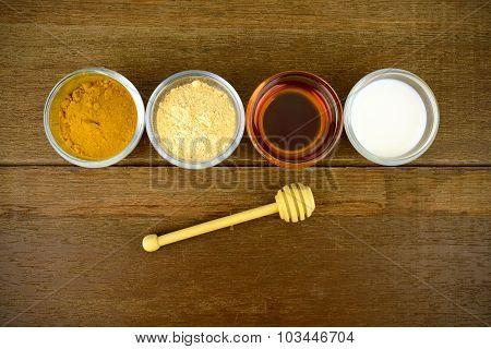 Facial Mask With Tanaka(naringi Crenulata (roxb.) Nicolson), Fresh Milk, Turmeric Powder And Honey.