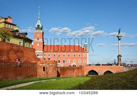 Royal Castle And Sigismund's Column