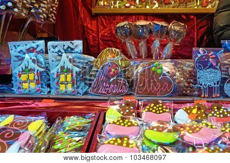 Gingerbread Houses And Hearts At The European Christmas Market Stall