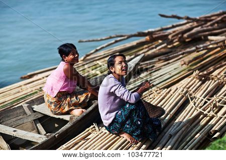 Burmese women, Myanmar