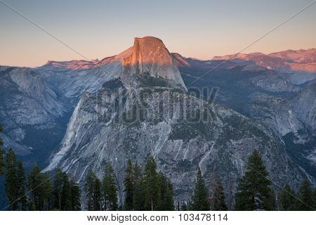 Sunset views from Glacier Point.