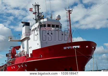 Tug Boat Docking In A Port
