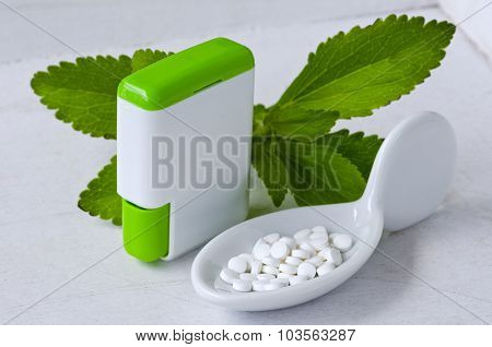 Stevia Pills. Natural Sweetener.