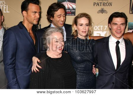 LOS ANGELES - OCT 3:  Cheyenne Jackson, Kathy Bates, Brad Falchuk, S\ Paulson, Finn Wittrock at the