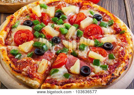 Fresh Baked Pizza Hawaii
