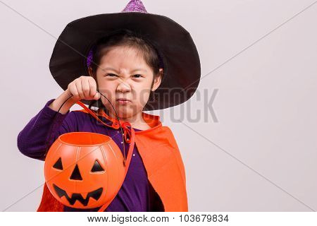Child In Halloween Costume On White / Child In Halloween Costume / Child In Halloween Costume, Studi