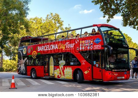 Barcelona. Tourist bus.