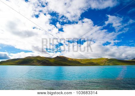 Beautiful landscape in Yamdrok lake in Tibet, China