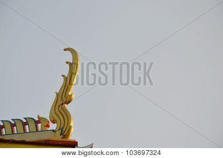 gable apex in Buddhist church