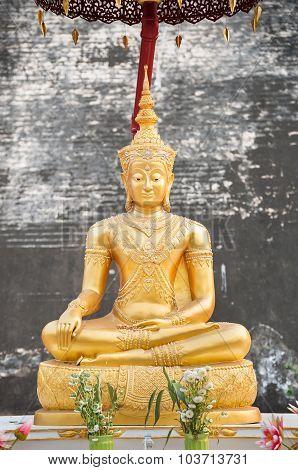 Gold Buddha Statue At Wat Chedi Luang, Chiang Mai, Thailand