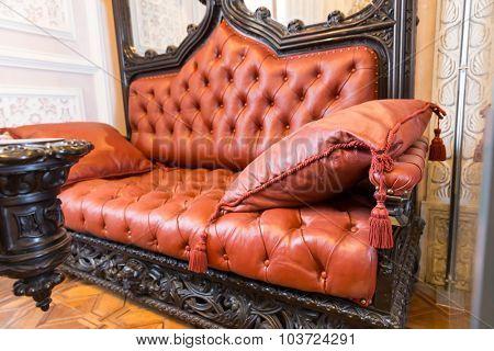 Luxuroius sofa