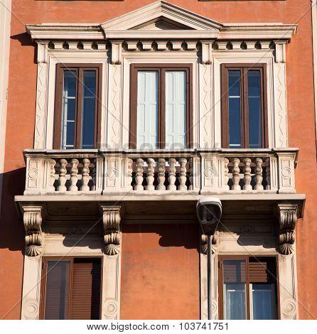 balcony bologna