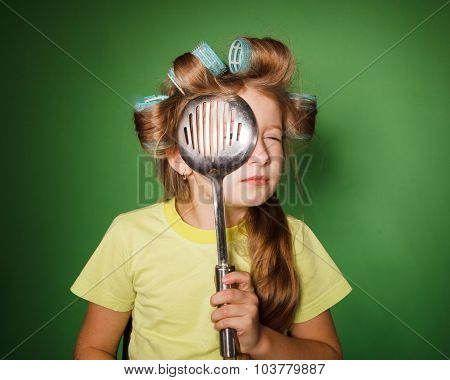 Little Girl Housewife .look Through Kitchenware