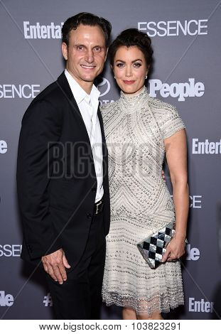 LOS ANGELES - SEP 26:  Tony Goldwyn & Bellamy Young arrives to the TGIT Premiere Red Carpet Event  on September 26, 2015 in Hollywood, CA.