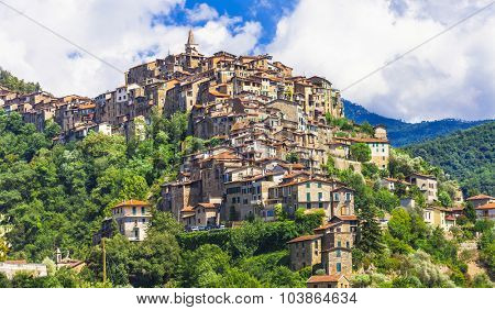 beautiful villages of Italy - Apricale in Liguria