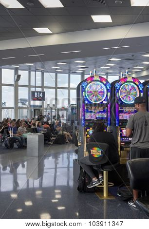 Las Vegas airport and gambling at slots
