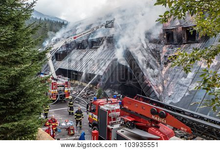 Fight Fire At Hotel Junior Jasna, Slovajkkia