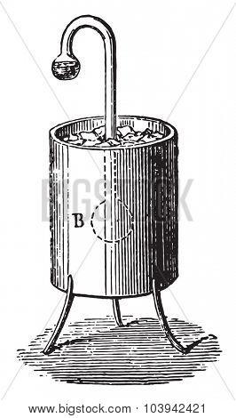 Cryophore of wollaston, vintage engraved illustration. Industrial encyclopedia E.-O. Lami - 1875.