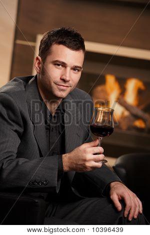 Kaufmann Holding Glas Wein