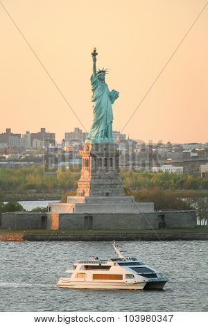 Statue Of Liberty At Day