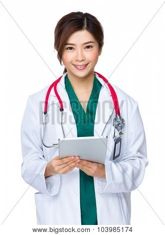 Female doctor use of the tablet pc