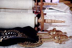 image of torah  - Torah scrolls - JPG