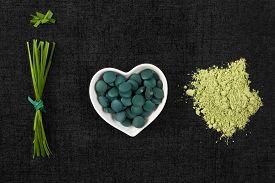 picture of chlorella  - Chlorella spirulina and wheatgrass - JPG