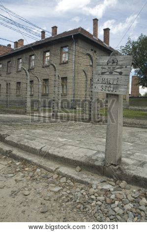 Auschwitz - Stop!