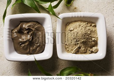algae and natural mud for body masks