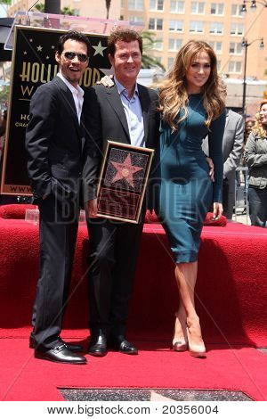 LOS ANGELES - MAY 23:  Marc Anthony, Simon Fuller, Jennifer Lopez at the Simon Fuller Hollywood Walk Of Fame Star Ceremony at W Hotel - Hollywood on May 23, 2011 in Los Angeles, CA