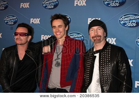 LOS ANGELES - MAY 25:  Bono, Reeve Carney, The Edge. in the 2011 American Idol FInale Press Room at Nokia at LA Live on May 25, 2011 in Los Angeles, CA