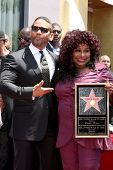 LOS ANGELES - MAY 19:  Benny Medina, Chaka Kahn at the Chaka Kahn Hollywood Walk of Fame Star Ceremo