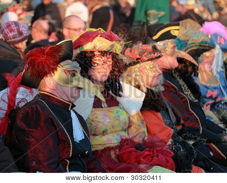 Disguised People