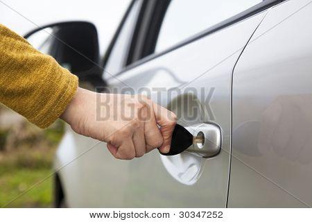 Hand Auto Taste entsperren die Tür