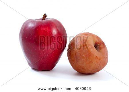 Manzanas podridas fresco rojo y marrón