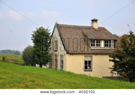 Dike House