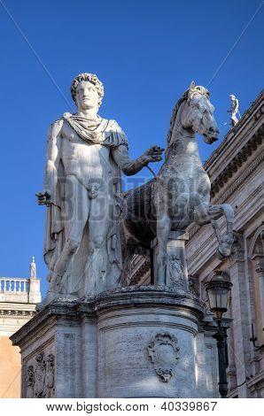 Statue near Palazzo Senatorio at Capitoline Hill. Roma (Rome), Italy