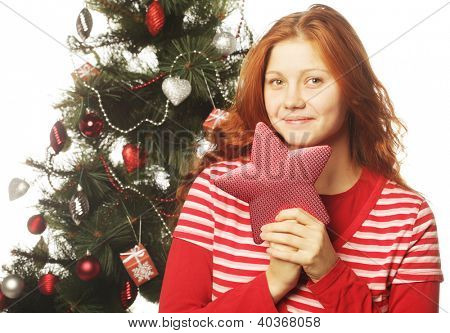 redhair woman with red staer and tree