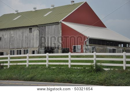 Amish Barn in Lancaster, Pennsylvania